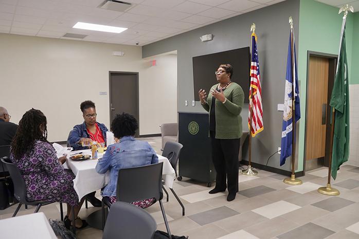 Arlanda Williams gives a presentation at the River City Campus